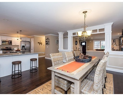 共管式独立产权公寓 为 销售 在 27 Pearl Street 韦克菲尔德, 马萨诸塞州 01880 美国
