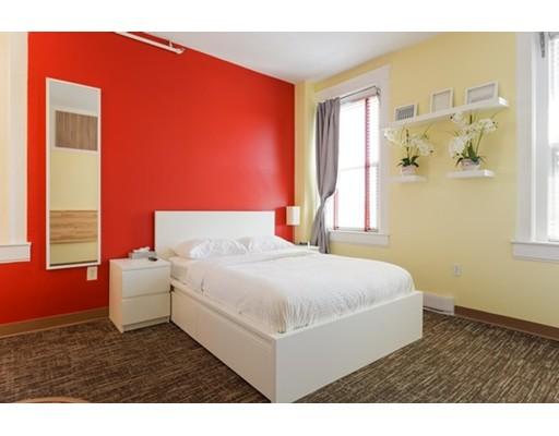 Casa Unifamiliar por un Alquiler en 3 Cottage Avenue Quincy, Massachusetts 02169 Estados Unidos