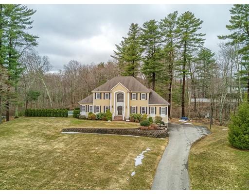独户住宅 为 销售 在 194 Essex Street 米德尔顿, 马萨诸塞州 01949 美国