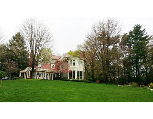Casa Unifamiliar por un Alquiler en 231 Chestnut Hill Road Newton, Massachusetts 02467 Estados Unidos