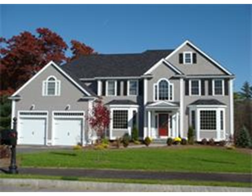 واحد منزل الأسرة للـ Sale في 2 Tanglewood Estates 2 Tanglewood Estates Easton, Massachusetts 02356 United States