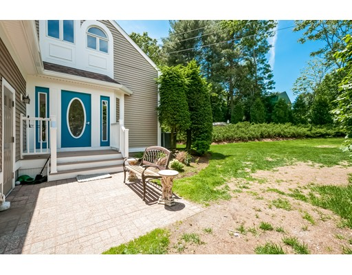 10 Pointe Rok Dr #10, Worcester, MA 01604