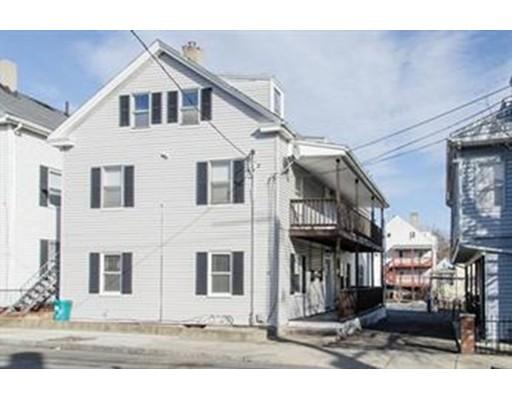 Casa Multifamiliar por un Venta en 17 TRACEY STREET Peabody, Massachusetts 01960 Estados Unidos