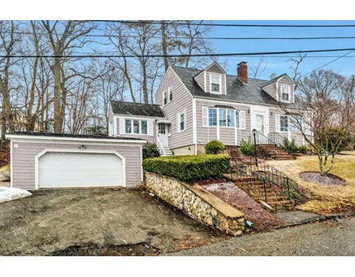 17 Hilltop Parkway, Woburn, MA 01801