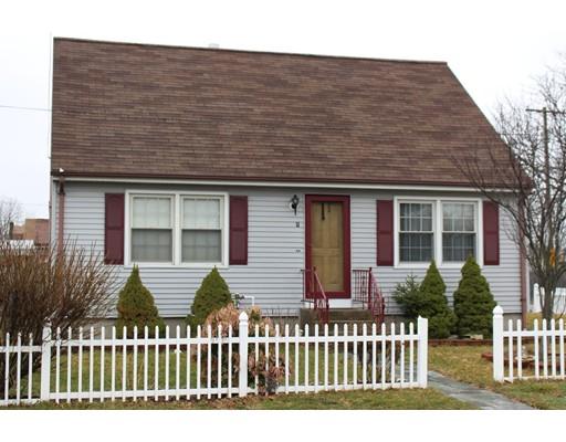 Частный односемейный дом для того Продажа на 1 War Admiral place Pawtucket, Род-Айленд 02861 Соединенные Штаты