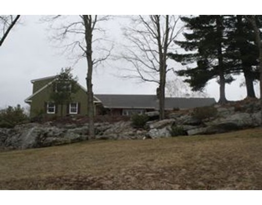 Single Family Home for Sale at 113 Clemence Hill Road Southbridge, Massachusetts 01550 United States