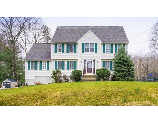 Single Family Home for Sale at 8 Woodside Lane Bellingham, Massachusetts 02019 United States