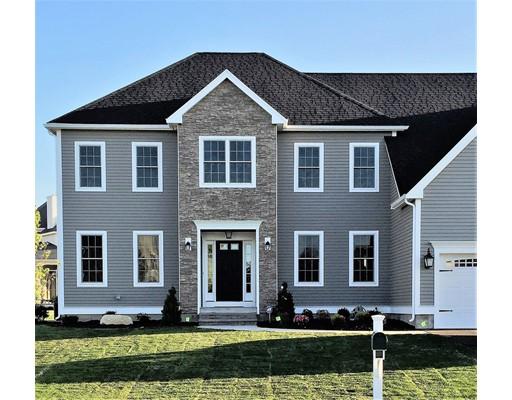独户住宅 为 销售 在 70 Magill Drive 格拉夫顿, 马萨诸塞州 01519 美国
