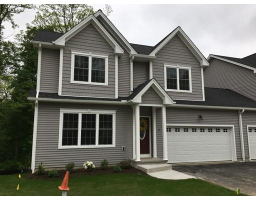 Appartement en copropriété pour l Vente à 3 Rivercrest Way 3 Rivercrest Way South Hadley, Massachusetts 01075 États-Unis