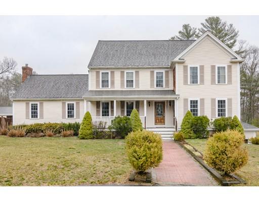 Maison unifamiliale pour l Vente à 2 White Rock Path Carver, Massachusetts 02330 États-Unis