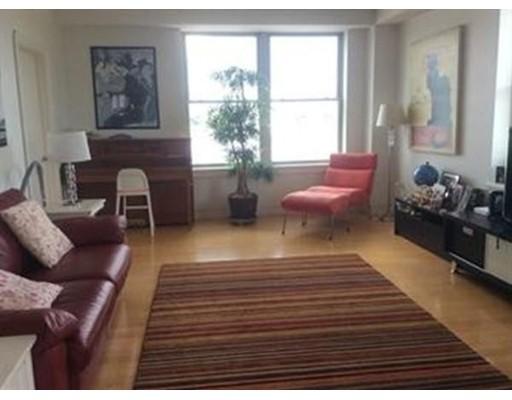 独户住宅 为 出租 在 323 Boylston Street 布鲁克莱恩, 马萨诸塞州 02445 美国