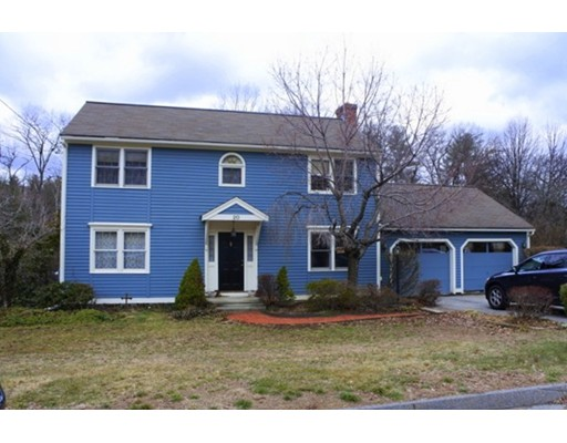20 Indian Ridge Dr, Leominster, MA 01453