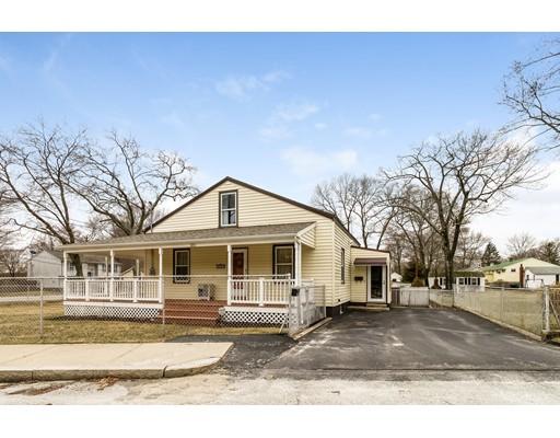 独户住宅 为 销售 在 331 Olive Woonsocket, 罗得岛 02895 美国