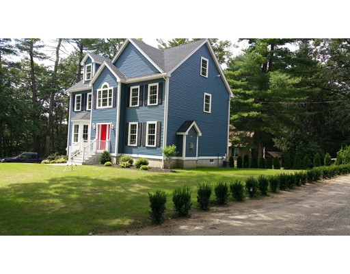 独户住宅 为 销售 在 16 Francis Street North Reading, 马萨诸塞州 01864 美国