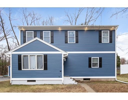 Maison unifamiliale pour l Vente à 16 Elm Avenue Enfield, Connecticut 06082 États-Unis