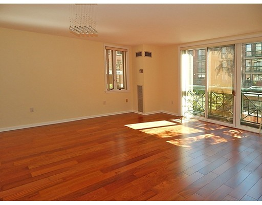Single Family Home for Rent at 10 Rogers Street Cambridge, Massachusetts 02142 United States