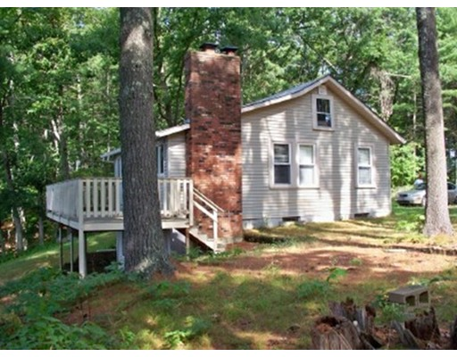 Single Family Home for Sale at 5 Brooks Pond Point Road North Brookfield, Massachusetts 01535 United States