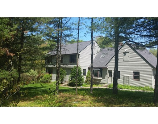 Casa Unifamiliar por un Venta en 16 Old Bay Road Belchertown, Massachusetts 01007 Estados Unidos