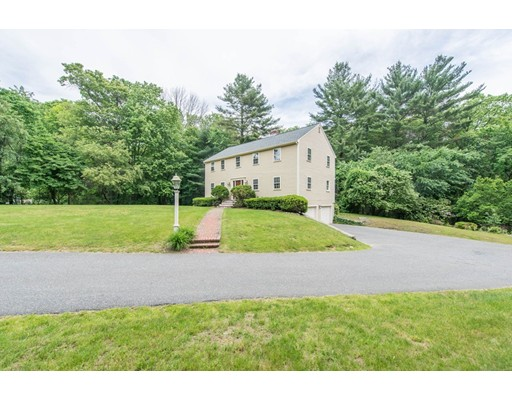33 Rice Road, Wayland, MA 01778