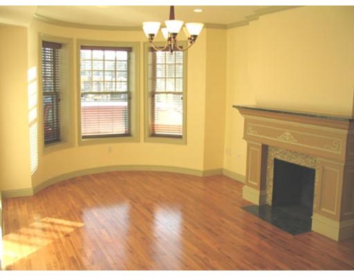 Casa Unifamiliar por un Alquiler en 531 Newbury Boston, Massachusetts 02215 Estados Unidos