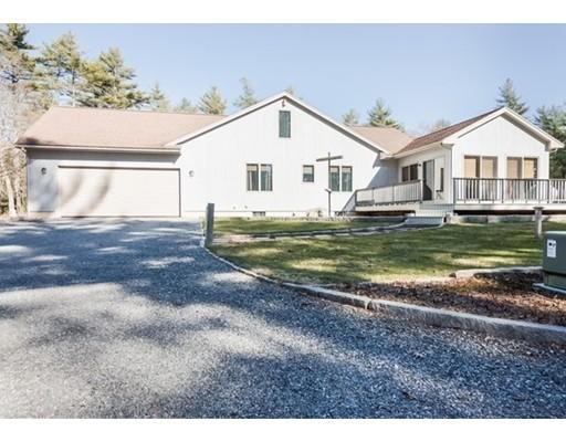 独户住宅 为 销售 在 63 Benson Street Middleboro, 马萨诸塞州 02346 美国