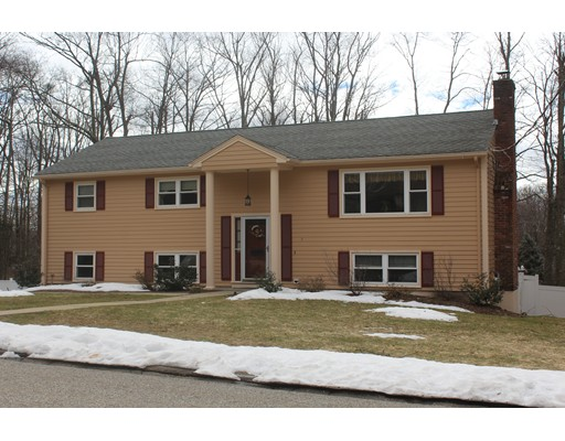 Single Family Home for Sale at 5 Nipmuc Road Paxton, Massachusetts 01612 United States