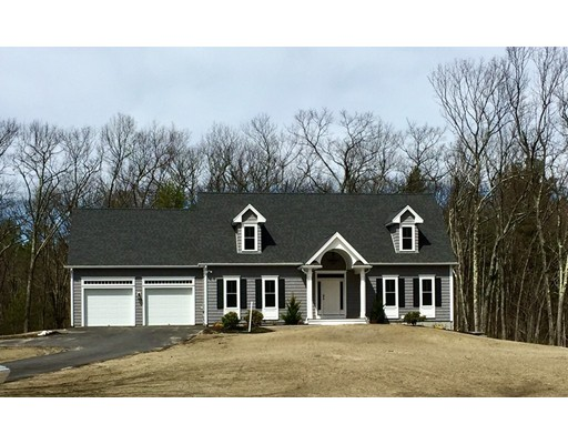 Single Family Home for Sale at 392 Hilltop Road Lancaster, Massachusetts 01523 United States