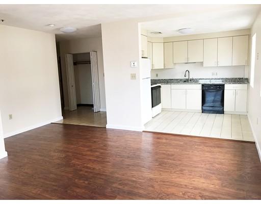 Casa Unifamiliar por un Alquiler en 11 Langdon Street Everett, Massachusetts 02149 Estados Unidos