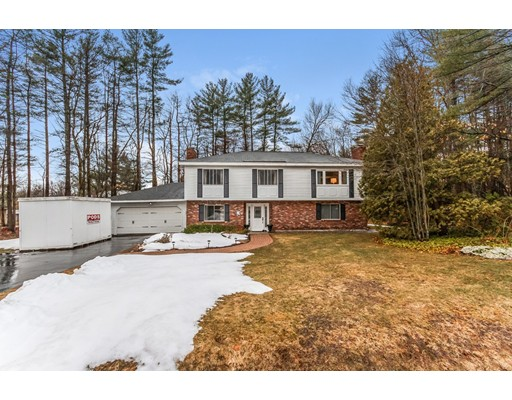 Single Family Home for Sale at 3 Seminole Place Londonderry, New Hampshire 03053 United States