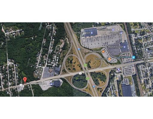 Terrain pour l Vente à 960 Newport Avenue Attleboro, Massachusetts 02703 États-Unis