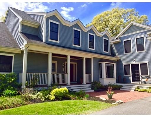 独户住宅 为 销售 在 385 Essex Street 林菲尔德, 马萨诸塞州 01940 美国