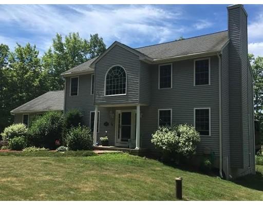 Casa Unifamiliar por un Venta en 15 Brown Street North Brookfield, Massachusetts 01535 Estados Unidos