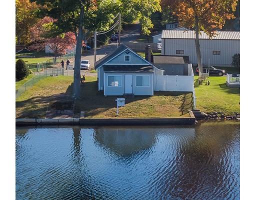 独户住宅 为 销售 在 26 Lake Shore Drive 26 Lake Shore Drive Wales, 马萨诸塞州 01081 美国