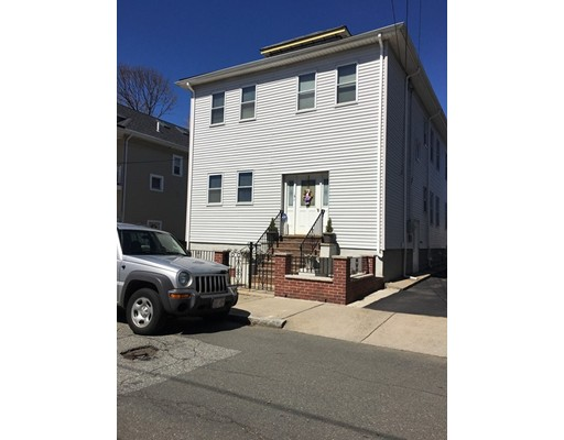 Casa Unifamiliar por un Alquiler en 121 3rd Street Medford, Massachusetts 02155 Estados Unidos