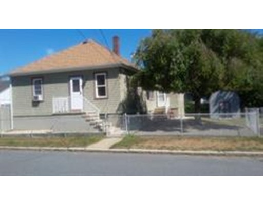 Casa Unifamiliar por un Venta en 144 Spencer Street Fall River, Massachusetts 02721 Estados Unidos