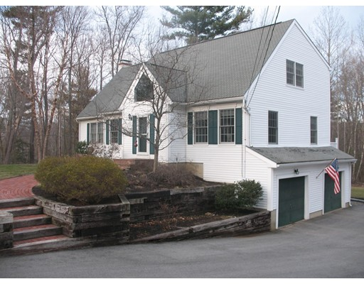Single Family Home for Sale at 2 Gas Light Lane Kensington, New Hampshire 03833 United States