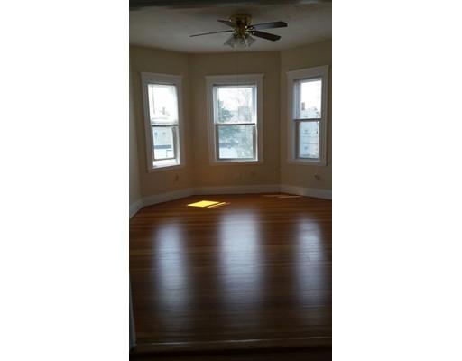 Casa Unifamiliar por un Alquiler en 7 Cottrell Boston, Massachusetts 02125 Estados Unidos