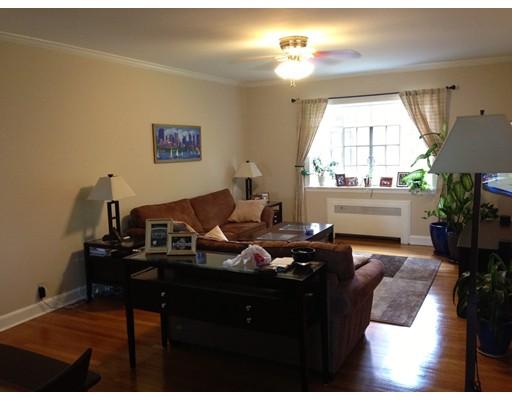 Casa Unifamiliar por un Alquiler en 108 Sewall Brookline, Massachusetts 02446 Estados Unidos