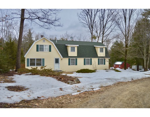 Single Family Home for Sale at 29 Gilman Point Road Moultonborough, New Hampshire 03254 United States
