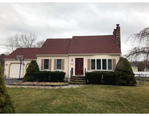 Casa Unifamiliar por un Venta en 345 Dighton Avenue Taunton, Massachusetts 02780 Estados Unidos