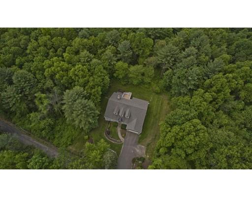 独户住宅 为 销售 在 37 Old County Road South Hadley, 马萨诸塞州 01075 美国