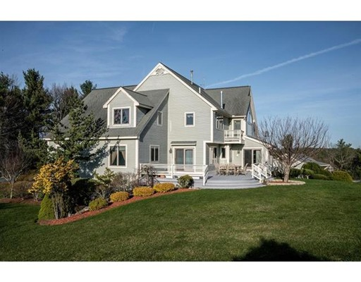 Single Family Home for Sale at 10 Federal Hill Road Nashua, New Hampshire 03062 United States