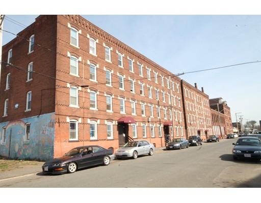 Casa Multifamiliar por un Venta en 456 Maple Street Holyoke, Massachusetts 01040 Estados Unidos