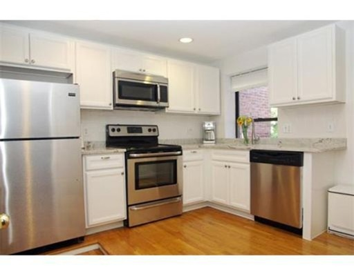Casa Unifamiliar por un Alquiler en 199 Salem Street Boston, Massachusetts 02113 Estados Unidos