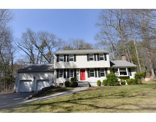 Частный односемейный дом для того Продажа на 20 Old Maple Street Stoughton, Массачусетс 02072 Соединенные Штаты