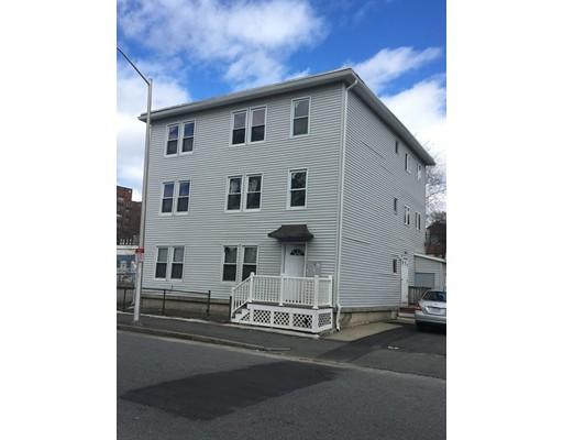 Maison avec plusieurs logements pour l Vente à 122 Piedmont Street 122 Piedmont Street Worcester, Massachusetts 01609 États-Unis