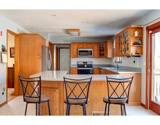 Single Family Home for Sale at 7 Rice Road Auburn, Massachusetts 01501 United States