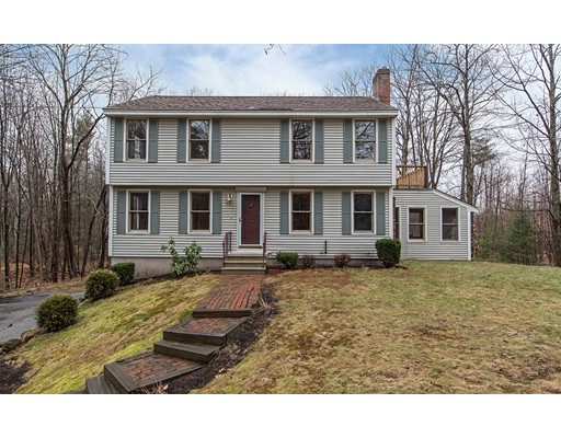 Single Family Home for Sale at 20 Shannon Road Hampstead, New Hampshire 03841 United States