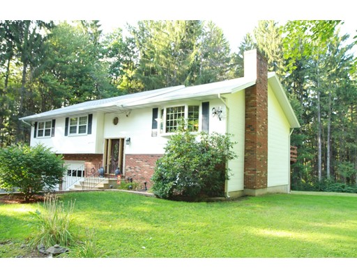 Casa Unifamiliar por un Venta en 1493 Southbridge Road Warren, Massachusetts 01083 Estados Unidos