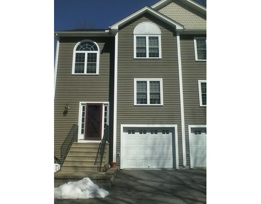 Condominio por un Venta en 125 S. Main Street 125 S. Main Street North Brookfield, Massachusetts 01535 Estados Unidos